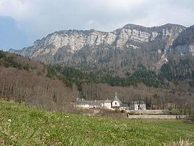 280px-Fr_Voreppe_Abbaye_de_Chalais_at_spring