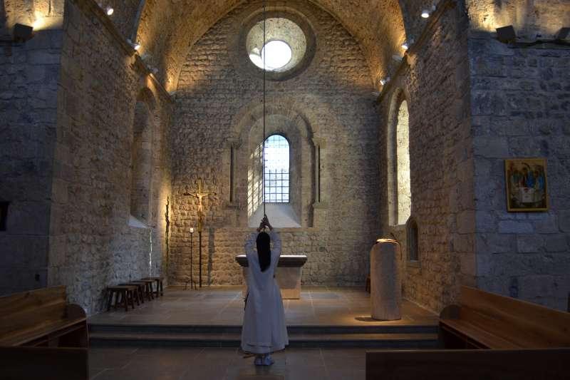 800x600_36377-photo_principale_monastere_eglise_de_chalais